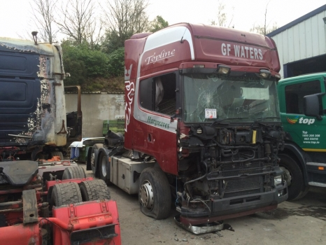 2004 Scania 164 Tag Axle T/U